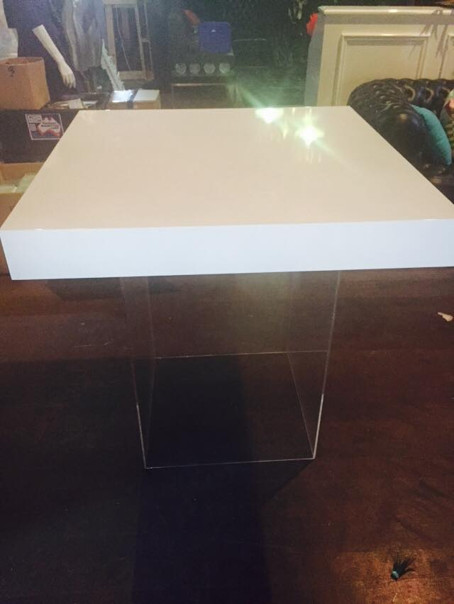 White gloss table top clear perspex plinth